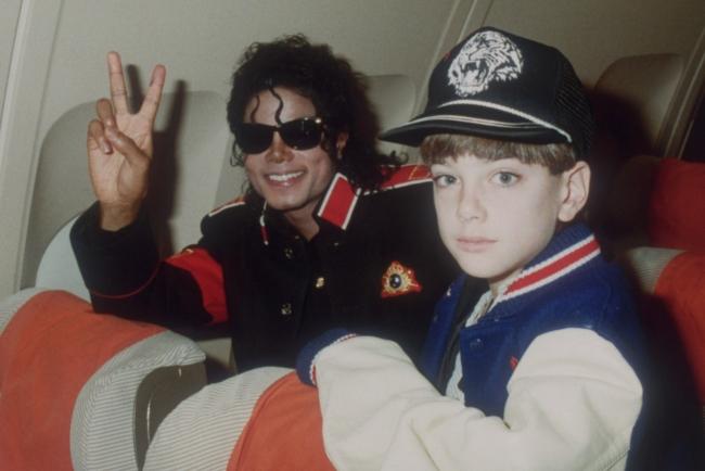 Scandal lạm dụng tình dục trẻ em của Michael Jackson được hé lộ chi tiết sau gần 30 năm