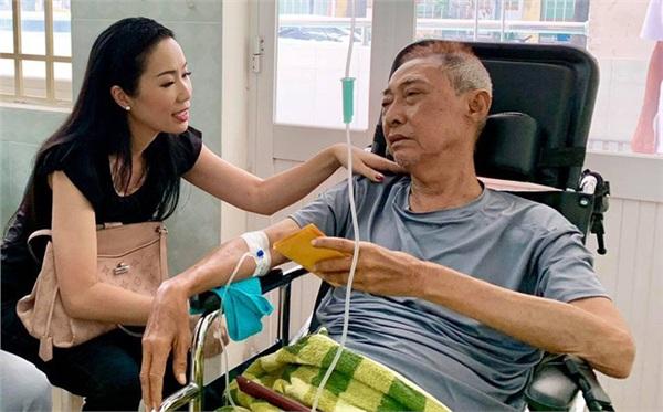 Xót xa lời dặn của Lê Bình trước lúc qua đời: 'Đừng như anh, tiền tỉ giờ cũng như đống rác'